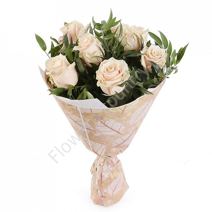 Букет из 7 роз в крафте