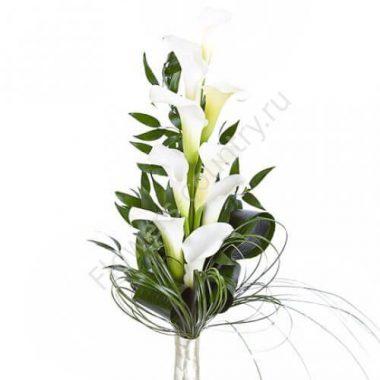 Букет из красивых цветов (каллы)