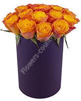 Букет оранжевых роз в шляпной коробке