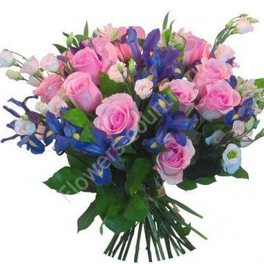 Букет из эустом, роз и ирисов