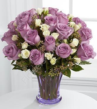 Букет из 31 сиреневой розы