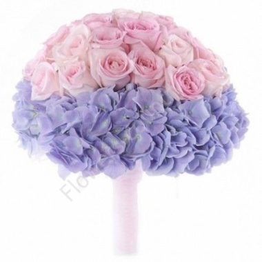Букет из гортензий и роз свадебный