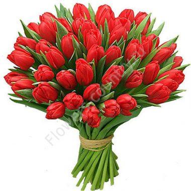 Букет из красных тюльпанов — 49 шт.