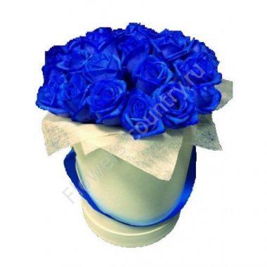 Букет из 31 синей розы в коробке