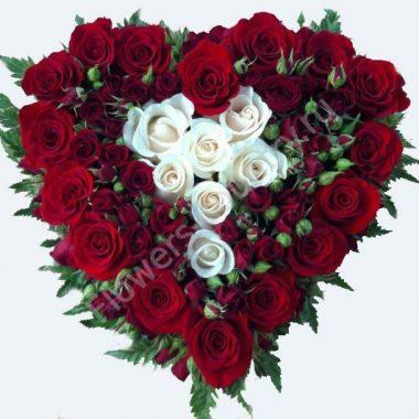 Букет из розы в форме сердца