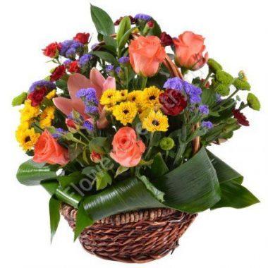 Букет с лилией и розой в корзине