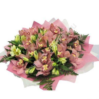 Букет из орхидеи и альстромерии
