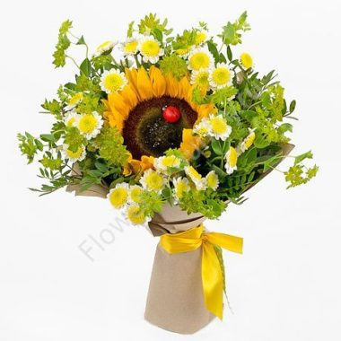 Букет из красивых цветов (хризантема и подсолнух)