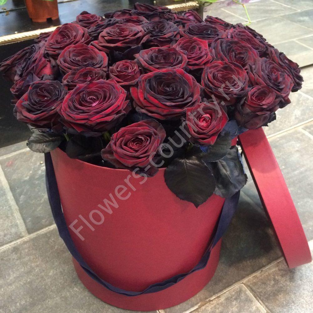 Букет черных роз в шляпной коробке