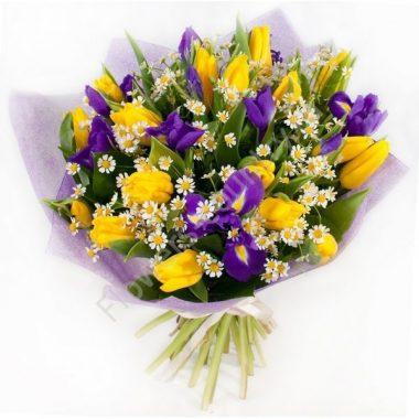 Букет из ириса и тюльпана желтого