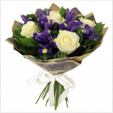 Букет из синего ириса и розы
