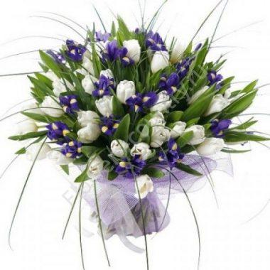 Букет из белого тюльпана и ириса