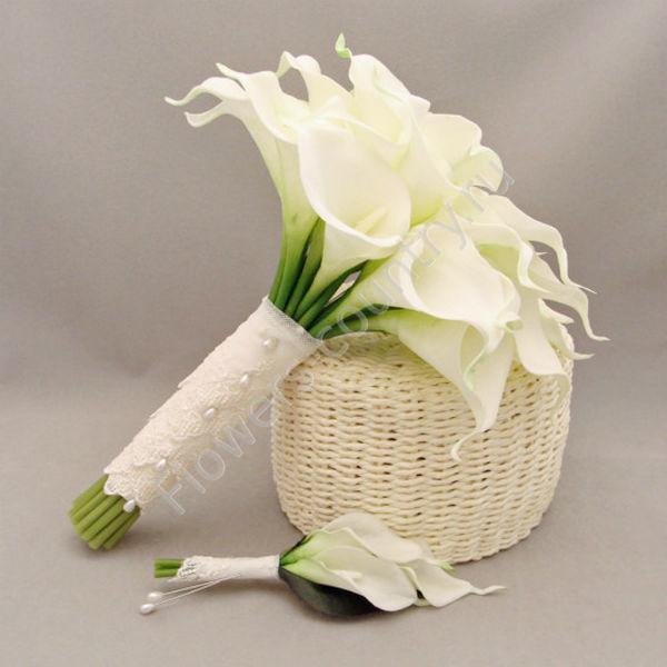 Чучнев букет невесты из маленьких каллы фото заказ