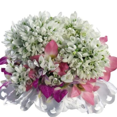 Букет из подснежников и орхидей