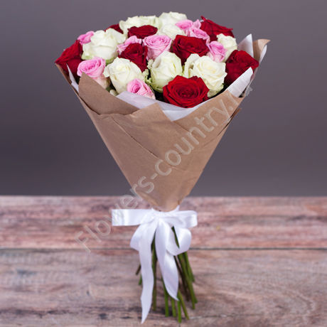 Букет из 25 роз Aqua, Grand Prix и Avalanche