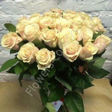 Букет из розы кремовой