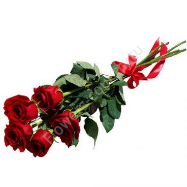 Букет из 5 высоких красных роз