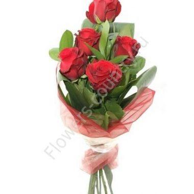 Букет из красных роз «Красный каскад»