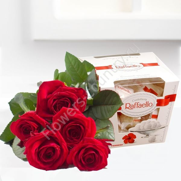 Подарочный набор и 5 роз и raffaello