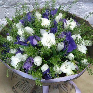 Букет из тюльпанов и фрезий
