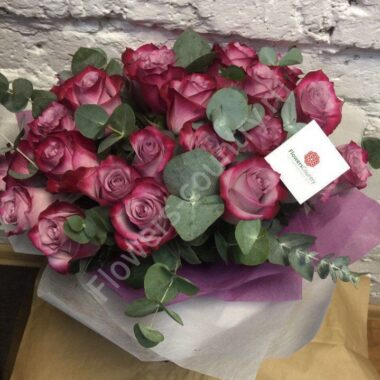 Букет из фиолетовой розы