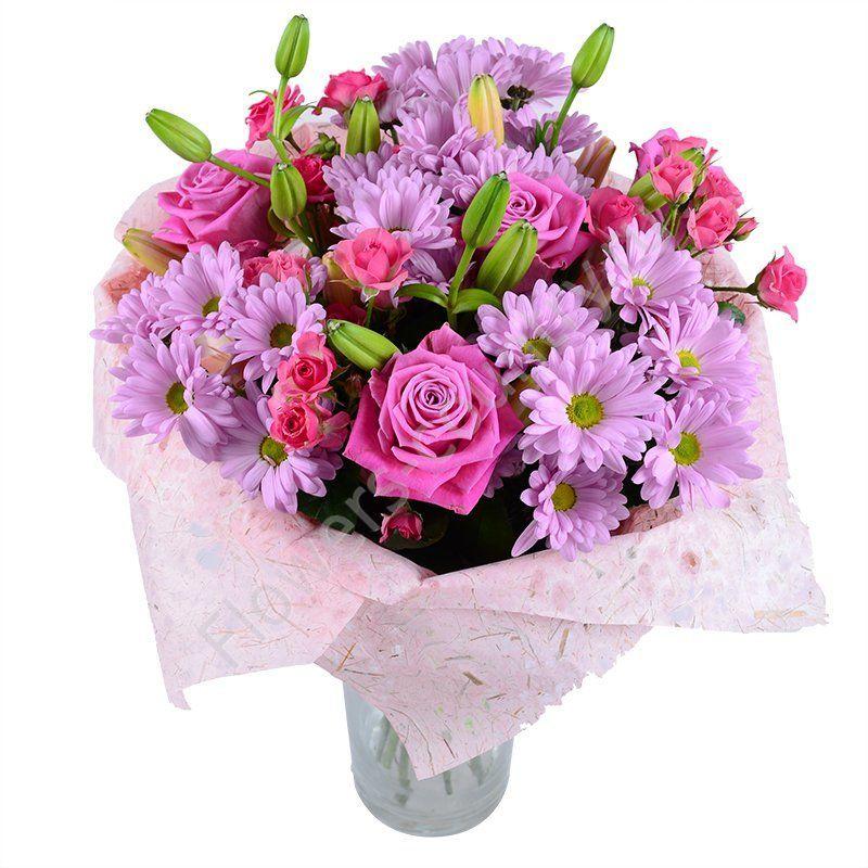 Букет из красивых цветов (роз и лилий)