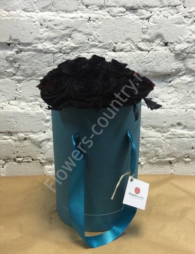 Букет черных роз в  коробке