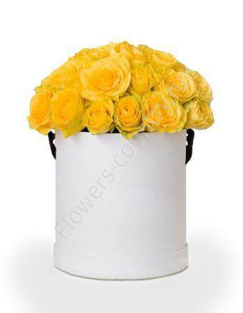 Букет желтыз роз в шляпной коробке