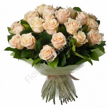 Букет из 25 кремовых роз