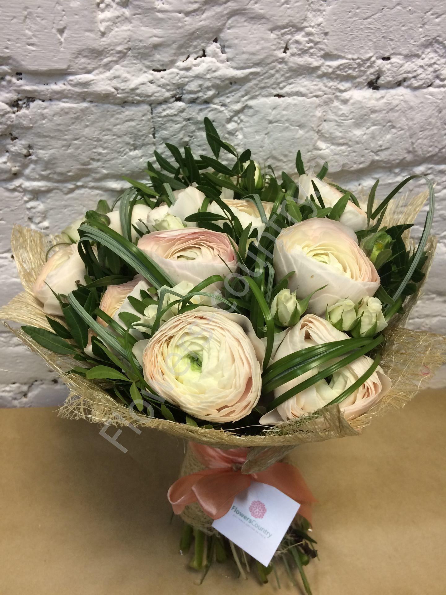 Букет розы ранункулюсы фото, необычные букеты в корзинах фото