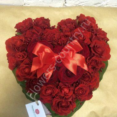 Букет из бордовой и красной розы