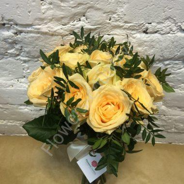 Букет из персиковой розы