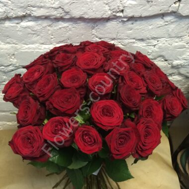 Букет из 35 бордовых роз