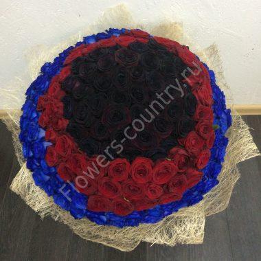 Букет из черной, бордовой и синей розы