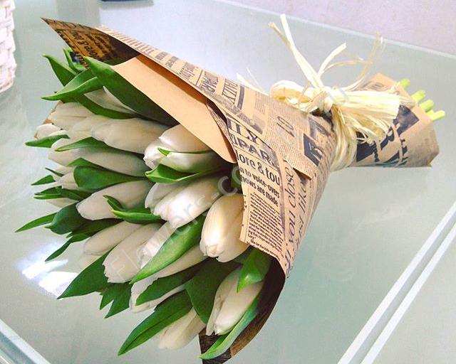 Букет из (белого) тюльпана