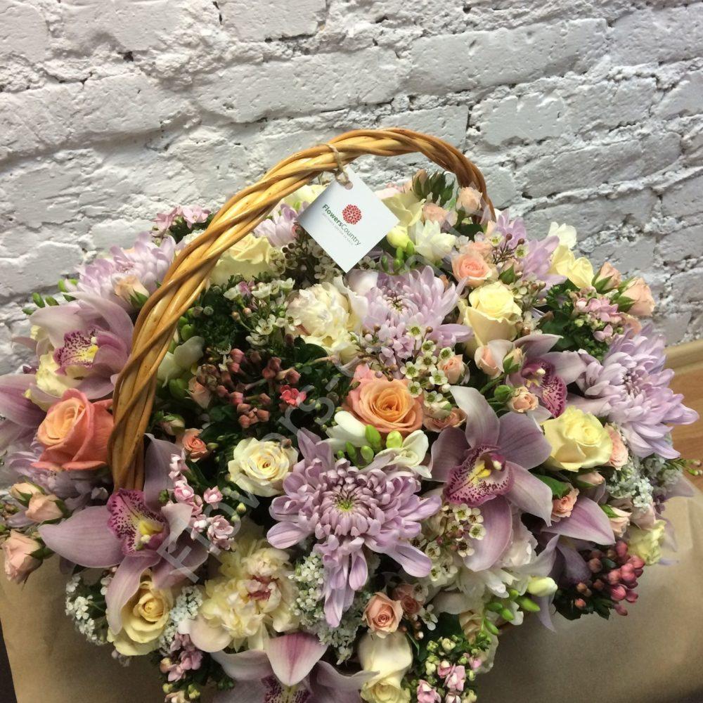 Букет из роз, орхидей и хризантем