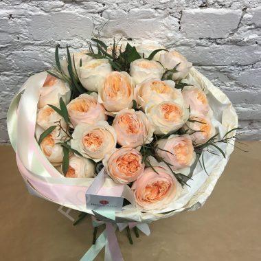 Букет из пионовидной персиковой розы