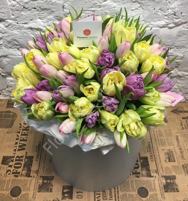Букет из 101 тюльпана в шляпной коробке