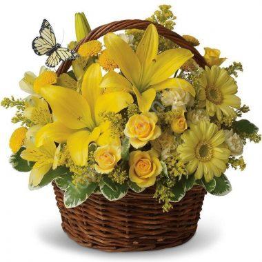 Букет в корзине с лилией и герберой