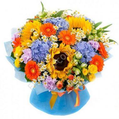 Букет из красивых цветов (альстромерия и гвоздика)