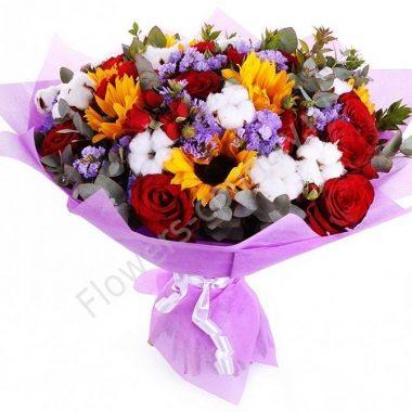 Букет из красивых цветов (подсолнуха и розы)