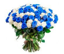 Букет из белой и синей розы
