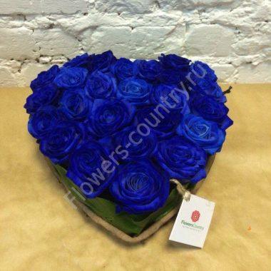 Букет из синих роз в форме сердца