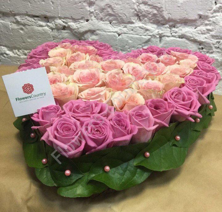 Букет из нежно-розовых роз в форме сердца