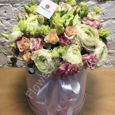 Букет цветов в шляпной коробке «Весенняя улыбка»