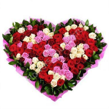 Букет из кремовой и бордовой розы