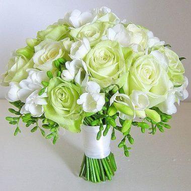 Букет невесты из зеленых роз