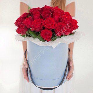 Букет из 25 красных роз в коробке