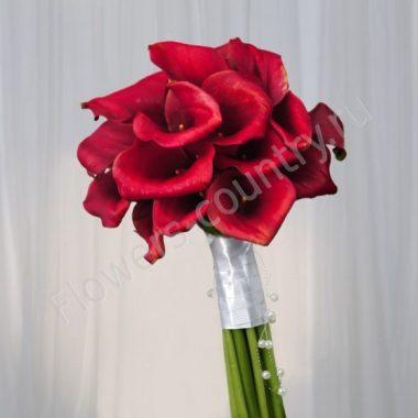 Букет невесты из красной каллы