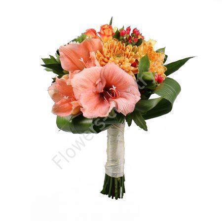 Букет из амариллиса и хризантемы
